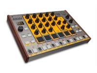Akai Tom Cat Akai Tom Cat - Caixa de ritmos analógica com vozes de percussão analógicas.    Tomcat é a verdadeira caixa de ritmos analógica com cinco vozes de percussão incorporadas, incluind...