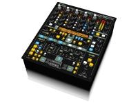 Behringer DDM4000-UE A mesa de mistura digital Behringer DDM4000 foi desenvolvida para proporcionar ótimo desempenho em bares e discotecas, estando preparada para atuações de vários DJ por noite. Esta mesa de ...