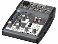 Behringer Mesa de Mistura  XENYX 502 A mesa de mistura Behringer Xenyx 502 apresenta uma estrutura leve e de fácil, com disposição inteligente dos controladores, bem como do painel de ligações, torna-se muito simples de util...