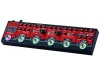 Mooer Red Truck Pedaleira Mooer Red Truck, 5 módulos de efeito, loop de efeitos e afinador embutidos, modos preset e stompbox, saída emulada de falante, leds indicadores de funcionamento.    OMooe...