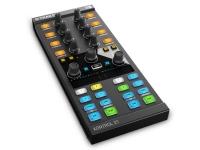 Native Instruments Traktor Kontrol X1 Mk2 Já o padrão de desempenho para os controladores de DJ, o poderoso traktor kontrol x1 oferece tanto poder como portabilidade controlam plataformas TRAKTOR e efeitos. Se DJing all-digital, ou ...