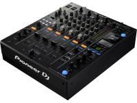 Pioneer DJM-900NXS2 A mesa de mistura DJM-900NXS2 leva o processo de mistura para um outro patamar com adição do processador de mistura a 64 bit que oferece um som mais natural, suave e detalhado. Agora os cont...