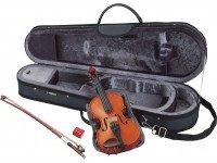Yamaha V5 SA 3/4 Violino de Estudo em Madeira Natural  Ideal para os jovens violinistas, o V5 é feito a partir de madeiras de alta qualidade. Combina um tampo sólido de abeto, tampo e costas em acer e o...