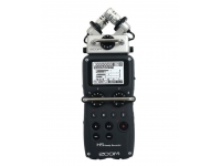 Zoom H5 Este versátil gravador é compatível com a linha existente de módulos H6, incluindo o microfone shotgun opcional e módulos de entrada XLR/TRS. O Zoom H5 também tem uma tela LCD e controle...